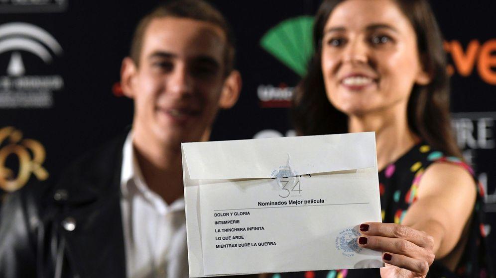 Foto: Miguel Herrán y Elena Anaya en la Academia. (Efe)