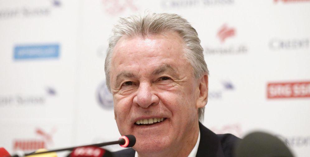 Foto: En la imagen, el veterano ya ex entrenador Ottmar Hitzfeld (EFE)