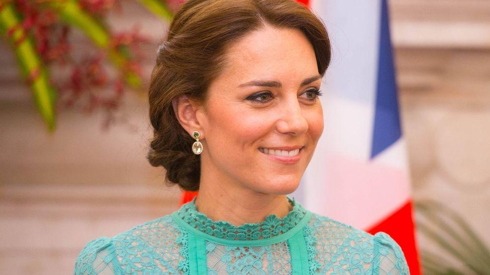 Foto: Kate Middleton, con un trenzado, durante un viaje a la India. (Getty)