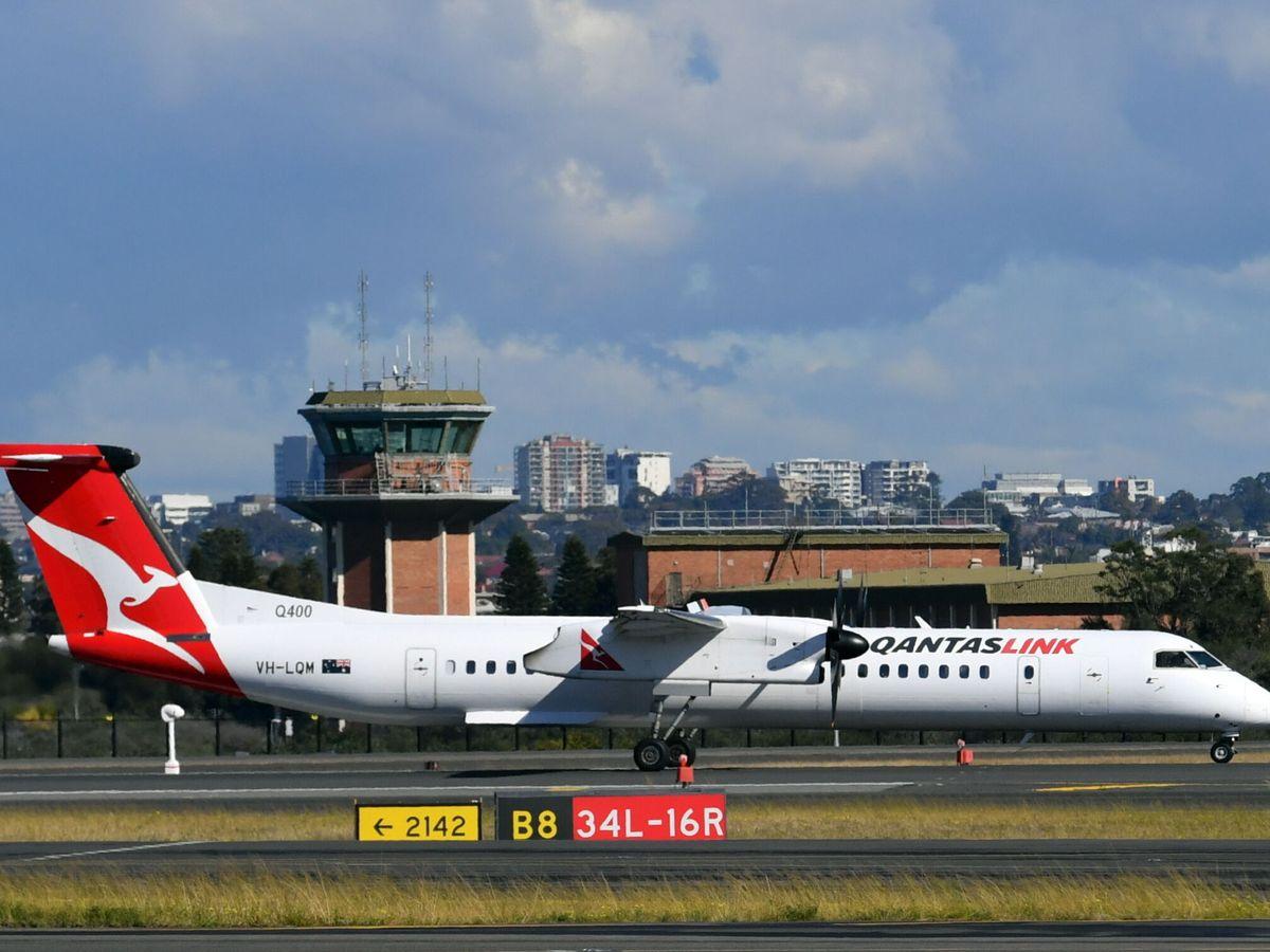 Foto: Qantas quiere que todos sus empleados estén vacunados en marzo de 2022 (EFE EPA/Mick Tsikas)