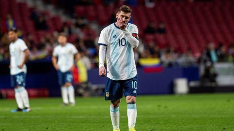 Argentina es un calvario para Messi: derrota y lesión en su regreso