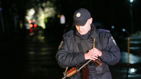 Liberan, tras 12 horas, a los rehenes de un secuestrador con explosivos en Ucrania