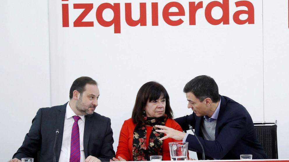 Los candidatos del PSOE que vayan a primarias serán suspendidos de sus cargos