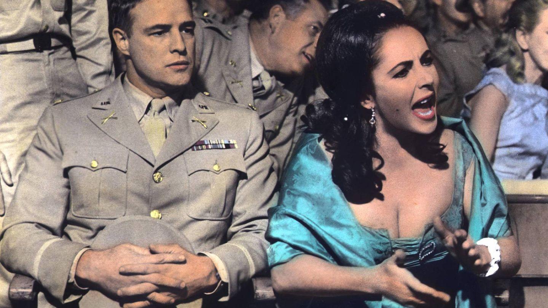 Brando y Elizabeth Taylor. (Cordon Press)