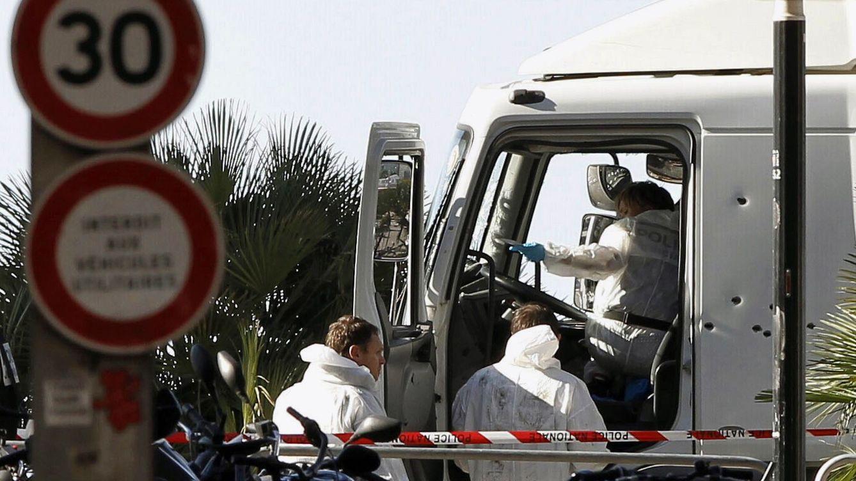 Foto: Al menos 84 muertos tras ser arrollados por un camión suicida en Niza. (EFE)