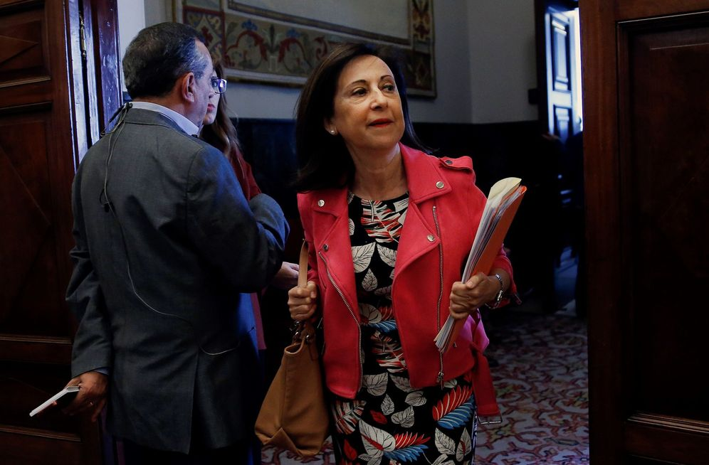 Foto: Margarita Robles, portavoz del Grupo Socialista, este 10 de octubre tras la reunión de la Junta de Portavoces. (EFE)