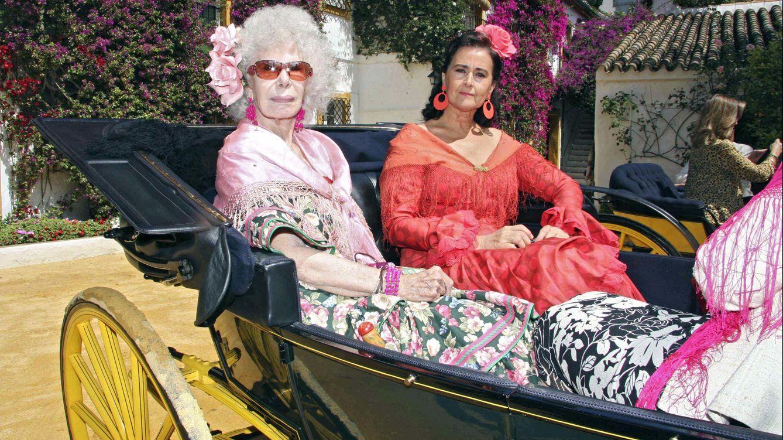 Foto: Carmen Tello junto a la duquesa de Alba, en una imagen de archivo (Gtres)