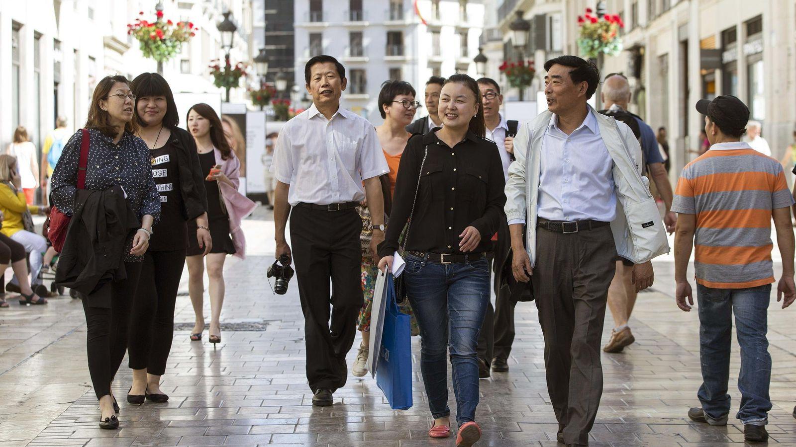 Foto: Algunos directivos de operadores chinos en Málaga, el pasado mes de mayo. (EFE)