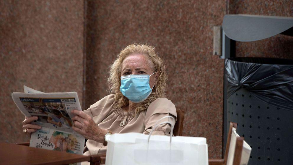 El 73% de los españoles apoya multar a quien no use mascarilla en público