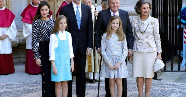 e2590d267e Semana Santa  Los looks de Letizia en la Misa de Pascua de Mallorca  ¿cuál  ha sido el más acertado