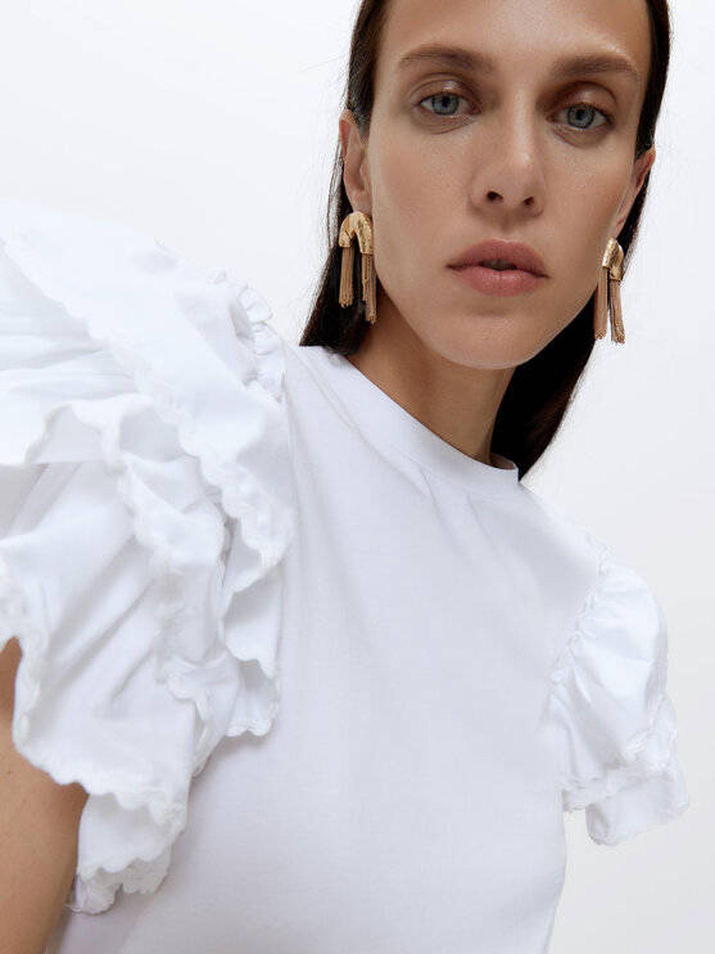 Camiseta blanca de Uterqüe. (Cortesía)