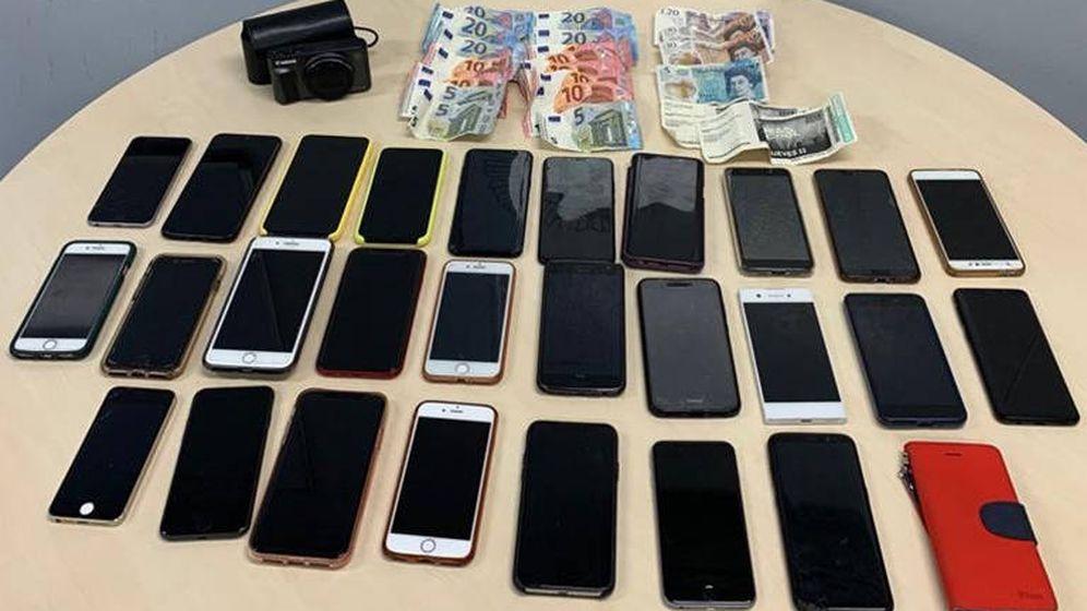 Foto: La mujer habría robado 7 teléfonos móviles, así como una cámara y dinero en efectivo (Foto: Policía Municipal Madrid)