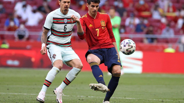 El extraño caso de Morata: el delantero que no convence a nadie salvo a la élite europea