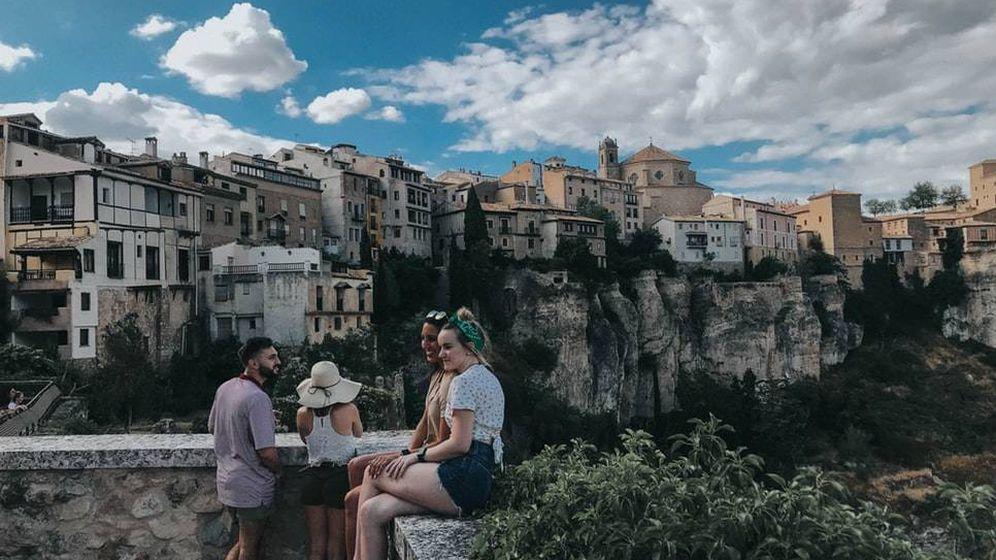 Foto: Turistas en Cuenca. (Unsplash)