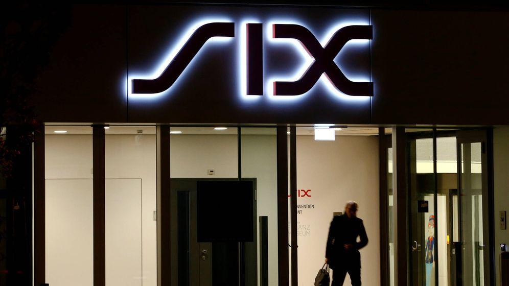 Foto: Logo de SIX Group en su sede de Zúrich. (Reuters)