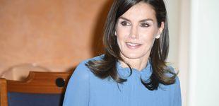 Post de La reina Letizia recupera su look trampantojo más low cost