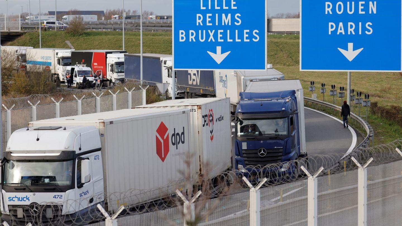 Atasco de camiones en Calais, del lado francés del canal de la Mancha. (EFE)