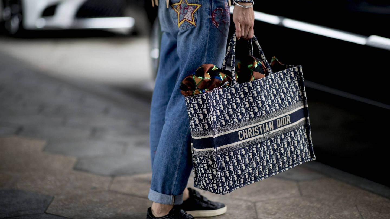 Olvídate de seleccionar qué vas a llevar en tu bolso, aquí te cabe de todo.  (Imaxtree)