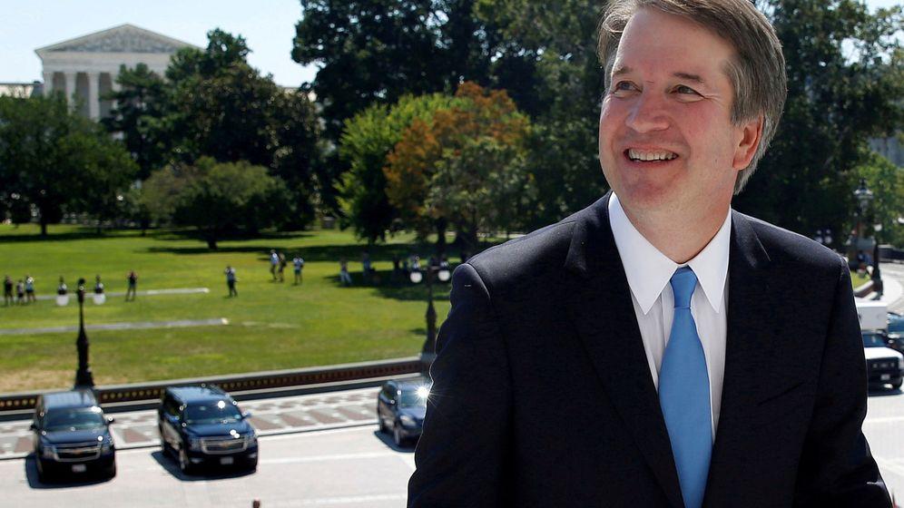 Foto: El juez Brett Kavanaugh frente al Tribunal Supremo de EEUU en Washington, el 10 de julio de 2018. (Reuters)