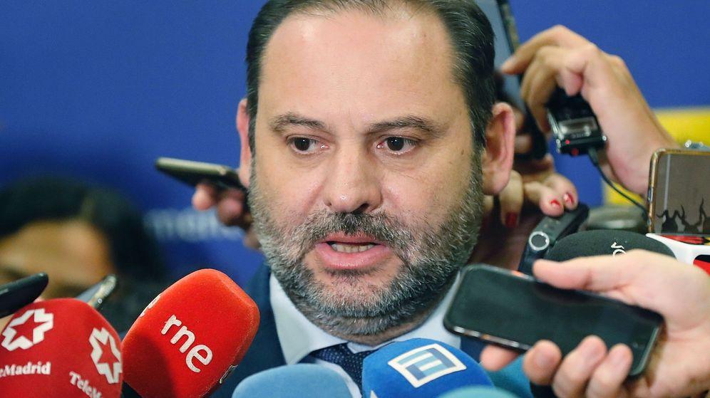 Foto: José Luis Ábalos, tras la reunión extraordinaria de la Conferencia Nacional de Transporte. (EFE)