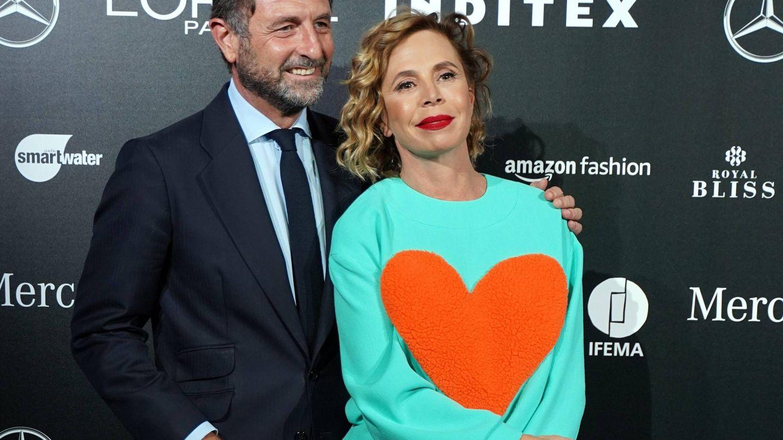Agatha Ruiz de la Prada y Luis Gasset, antes del desfile. (CP)