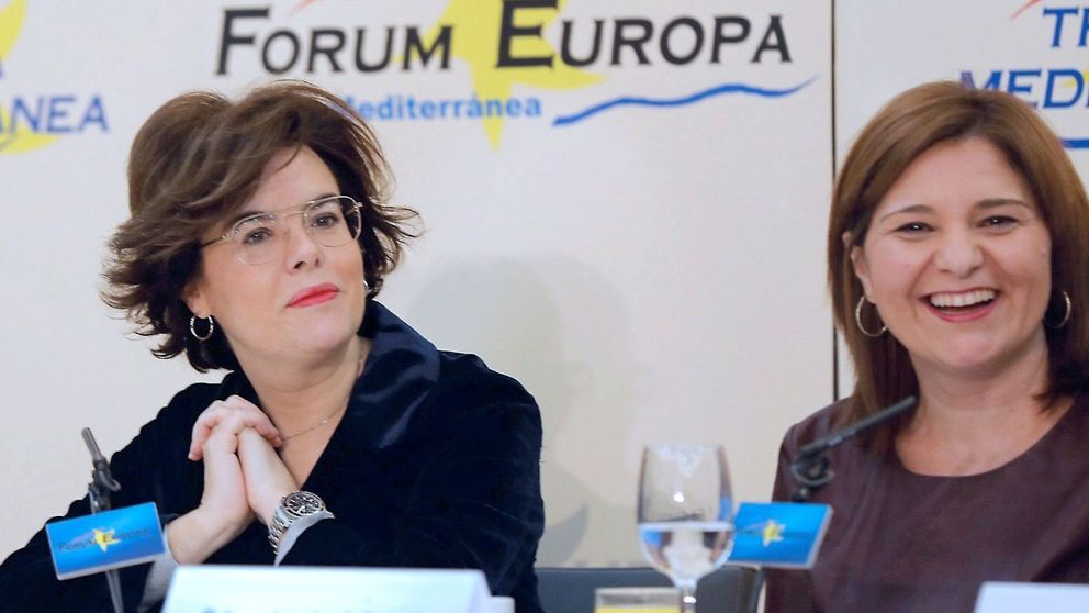 Pulso de familias en el PP valenciano con igualdad entre Cospedal y Santamaría