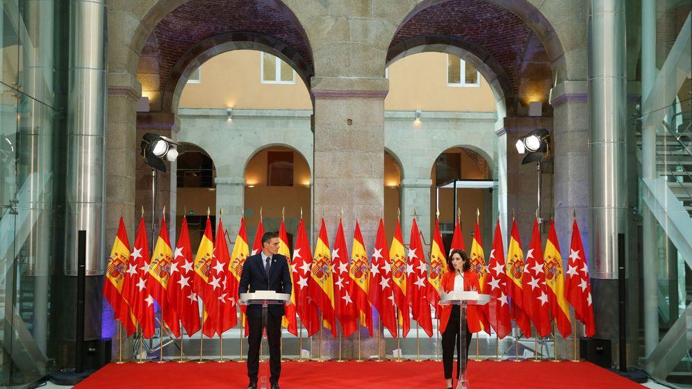Foto: Pedro Sánchez e Isabel Díaz Ayuso, tras su encuentro. (EFE)