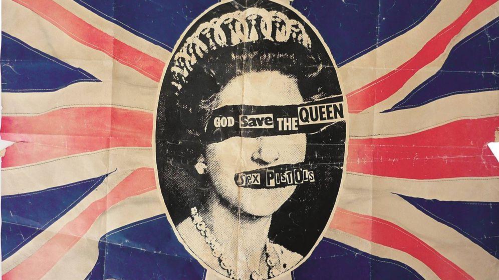 Foto: Póster de 'God Save the Queen', de los Sex Pistols (1977). (The Mott Collection / Sex Pistols Residuals)