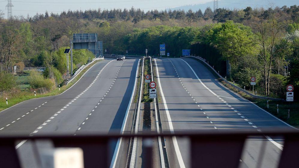 Foto: Carreteras desiertas en medio de la pandemia de coronavirus. (EFE)