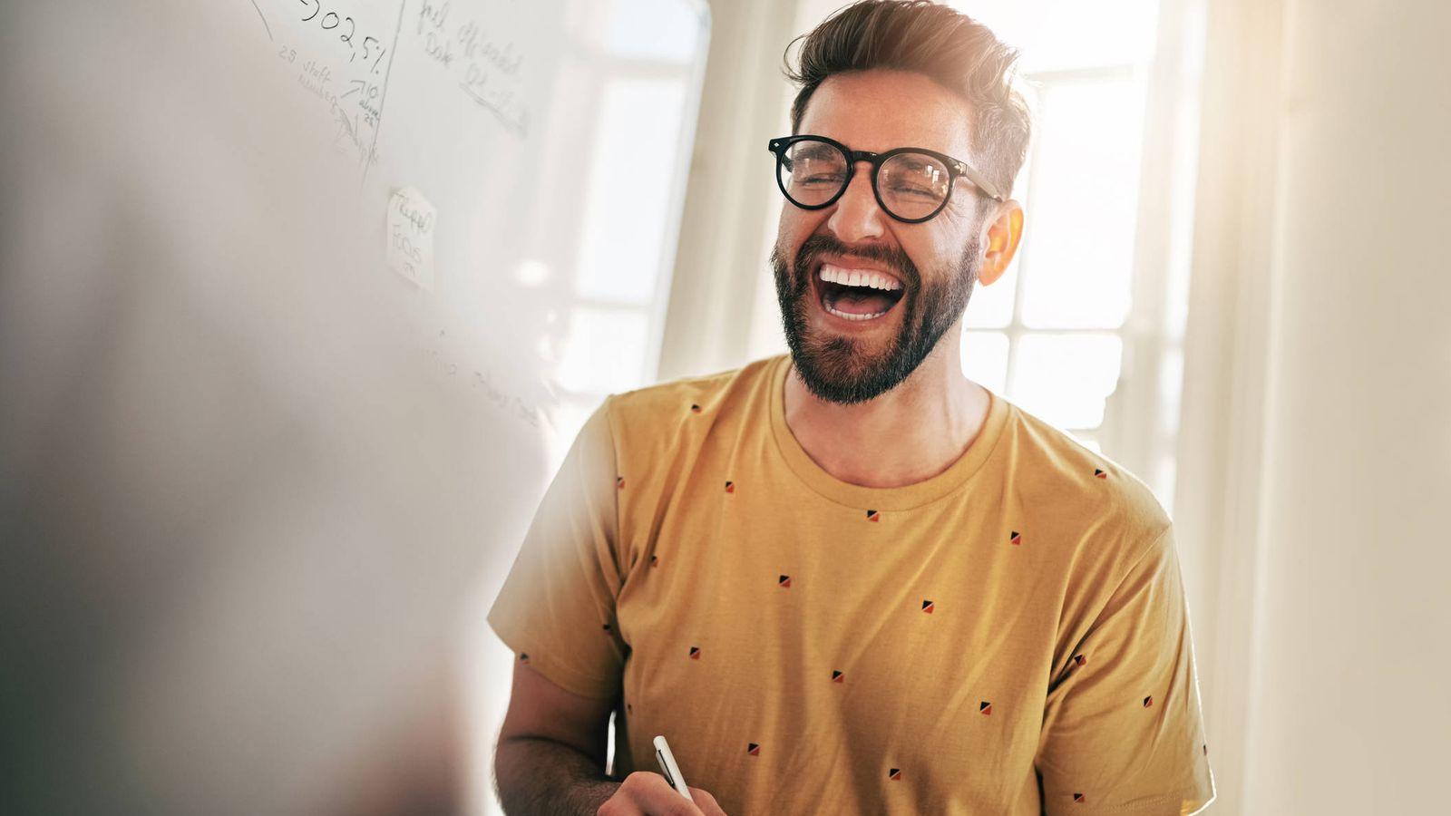 Guía del humor en el trabajo: así es como puedes reírte mucho sin ...