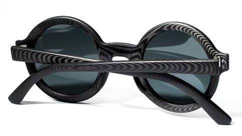 Fibra de carbono y madera en las nuevas gafas de sol de Rodrigo Caula