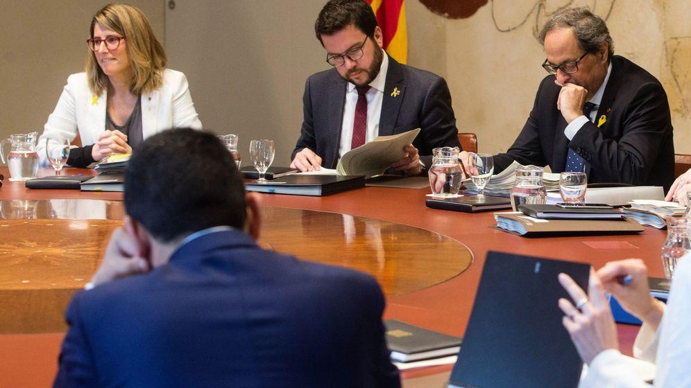 Foto: Primera reunión del Gover, con Elsa Artadi y Torra. (EFE)