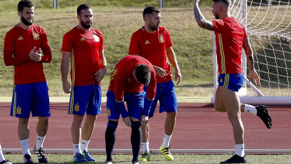 Foto: Carvajal, Nacho y Ramos, con España. (EFE)