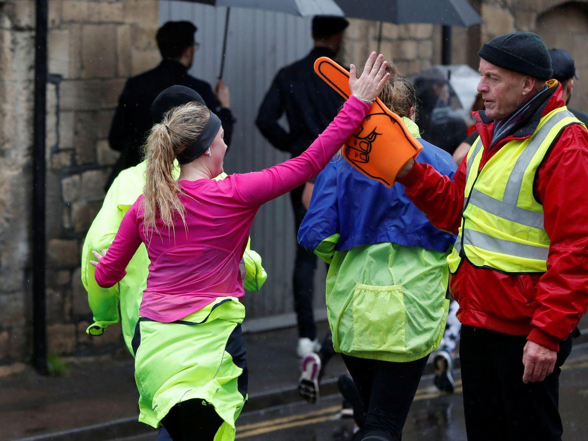 Foto: Comenzó a correr parar preparar una carrera con sus amigos y ya piensa en una maratón (Reuters/Paul Childs)