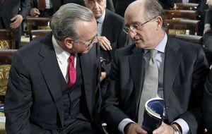 Fainé se apunta las medallas de un acuerdo histórico ante la ausencia forzada de Brufau