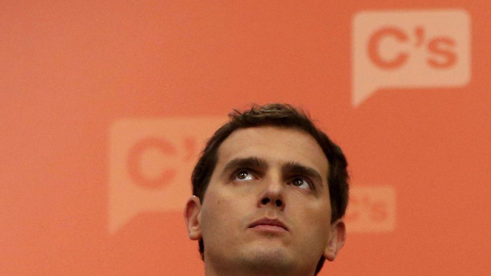 Foto: El líder de Ciudadanos, Albert Rivera, durante su comparecencia ante los medios tras la reunión de la ejecutiva nacional el pasado lunes. (EFE)