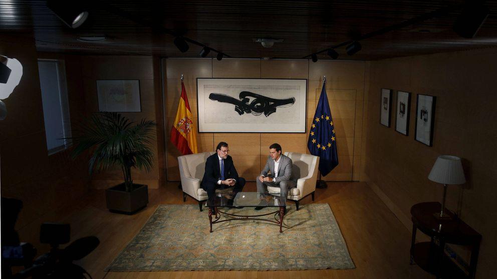 Rajoy tienta al PSOE con un guiño a sus barones sobre financiación autonómica