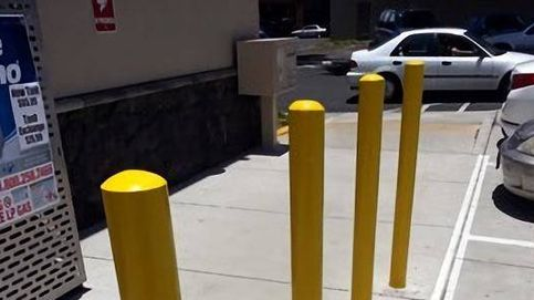 Esta foto esconde algo muy extraño (y está en los postes amarillos)