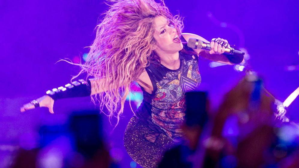 Foto: La cantante colombiana Shakira, durante el concierto de su gira 'El Dorado World Tour' ofrecido en el Palau Sant Jordi, en Barcelona. (EFE/Quique García)