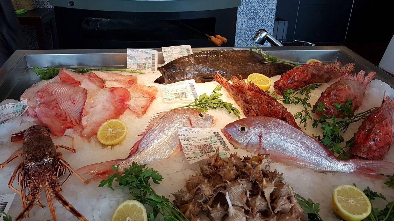 Expositor de pescado de La Marítima.