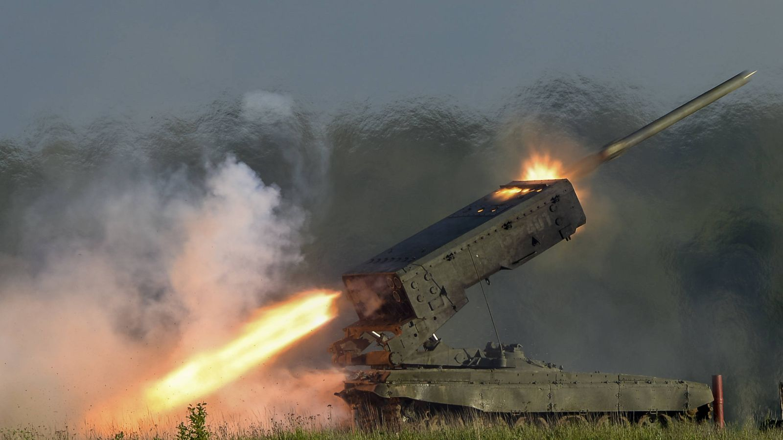 Foto: Los lanzacohetes termobáricos TOS-1A Solntsepyok