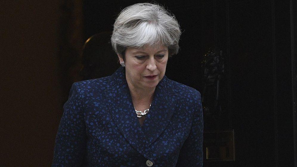 Foto: La primera ministra británica, Theresa May, abandona su residencia en el número 10 de Downing Street en el centro de Londres, en una foto de archivo. (EFE)