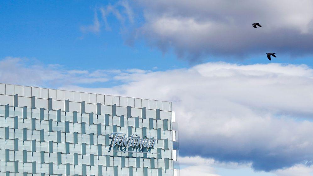 Foto: El logo de Telefónica en su sede de Mardrid. Foto: Reuters