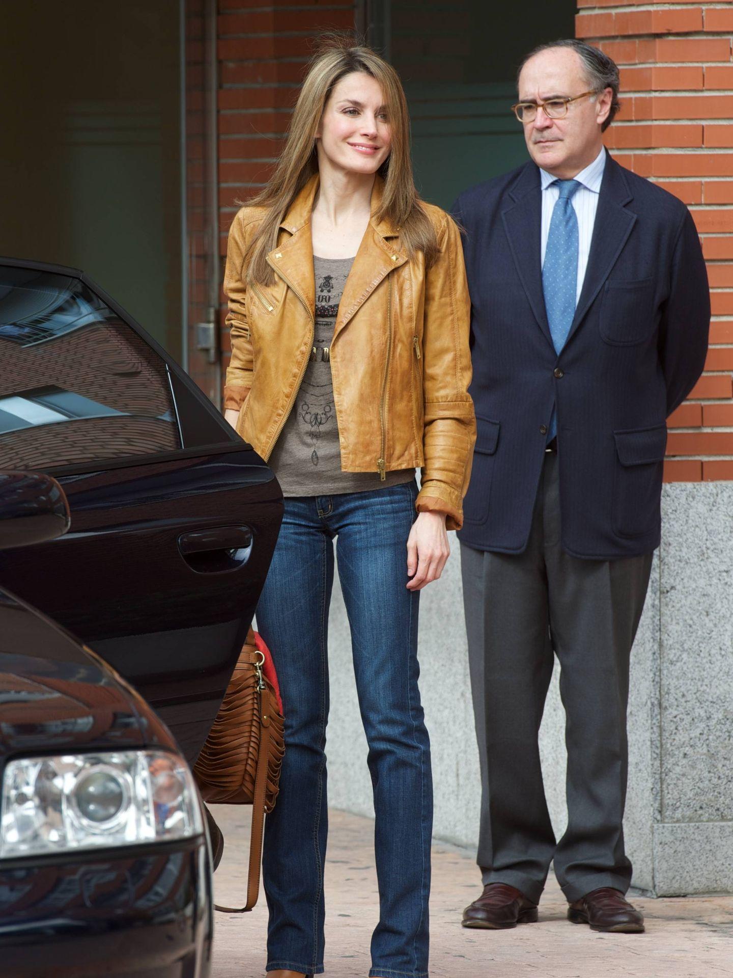 La reina Letizia visita al rey Juan Carlos en el hospital. (Getty)