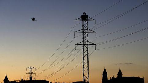 Álvaro Nadal anuncia que el Gobierno no intervendrá en el precio de la luz