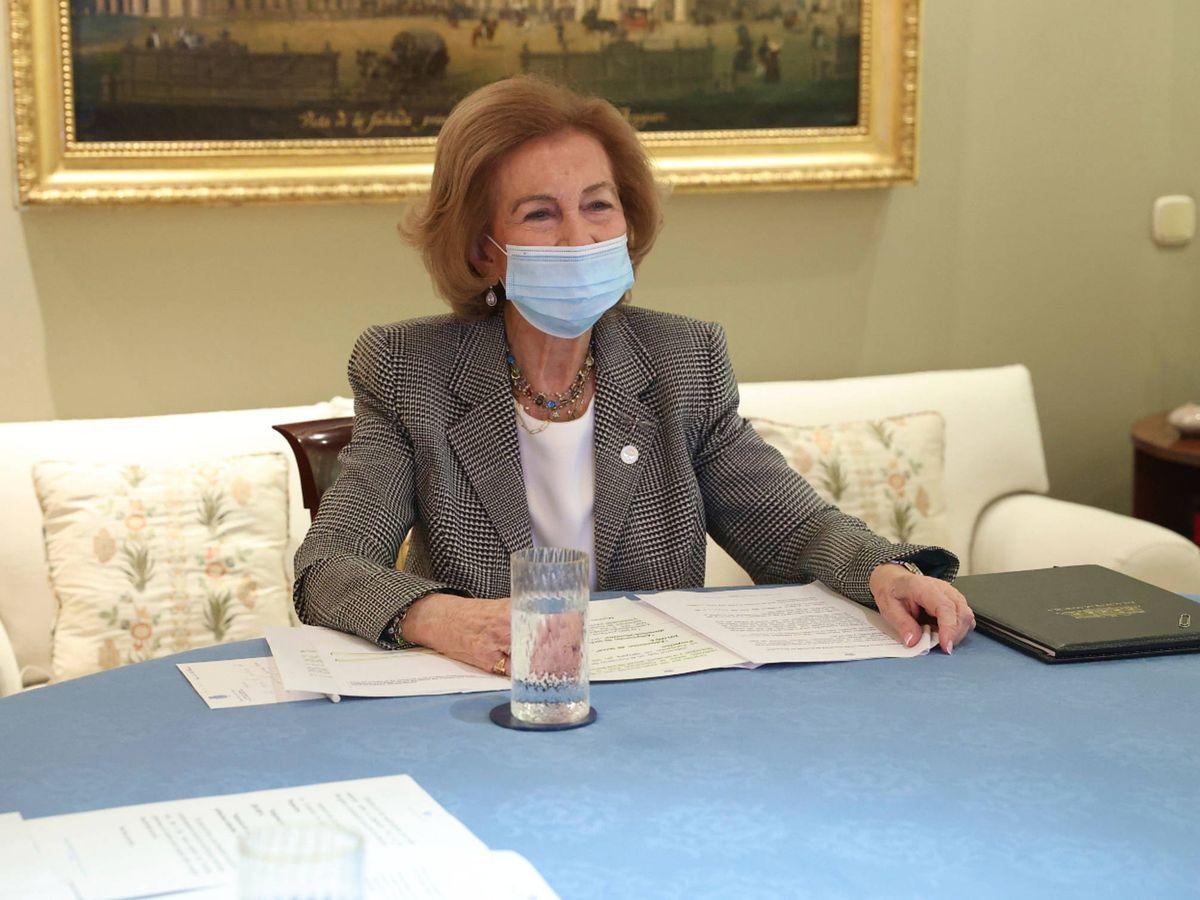 Foto: La reina Sofía, durante el encuentro. (Limited Pictures)