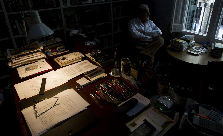 Foto: Juan Marsé en su casa de Barcelona. (EFE/Quique García)