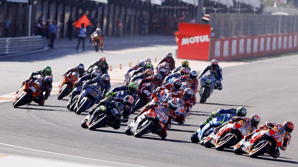 Foto: Primeros compases del pasado Gran Premio de la Comunitat Valenciana de MotoGP. (EFE)