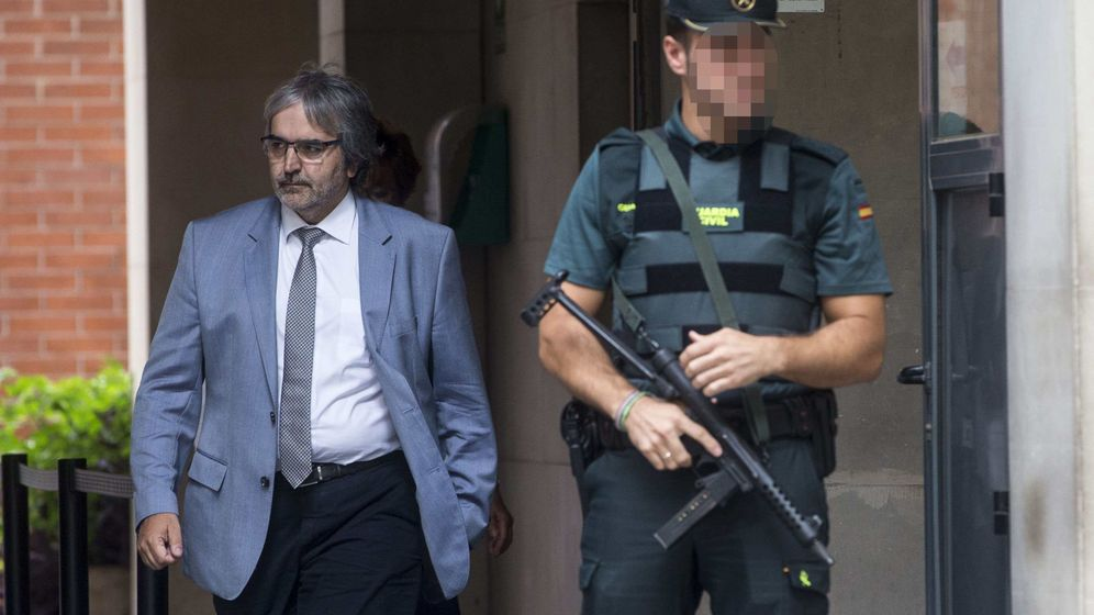 Foto: El secretario general de Presidencia, Joaquim Nin, tras prestar declaración. (EFE)