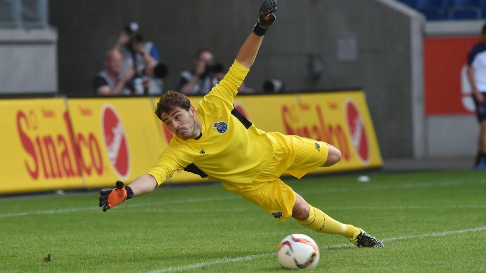 Iker se estrena con éxito como 'dragão' en un amistoso con el Duisburgo